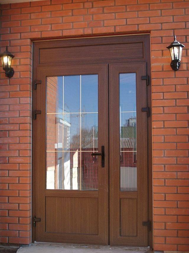 Пластиковые двери: 119 фото стильных вариантов современных дверей
