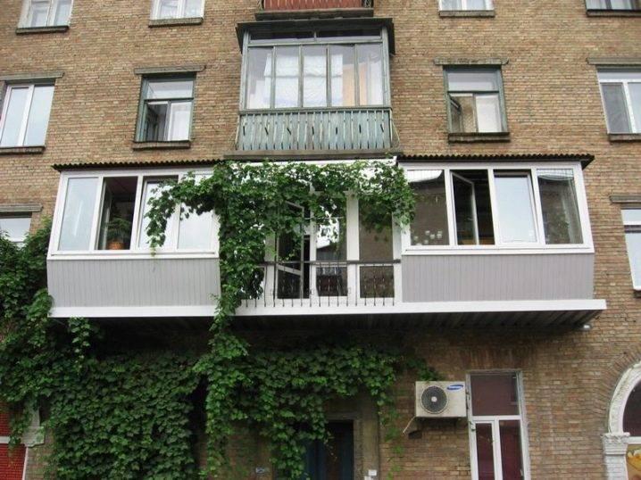 Расширение балкона: разбираем по порядку