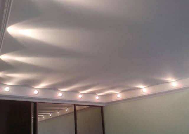 Натяжной потолок со светодиодной подсветкой - варианты реализации, фото