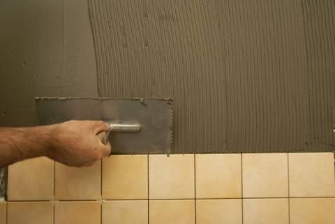 Как выровнять стены в ванной гипсокартоном без каркаса видео