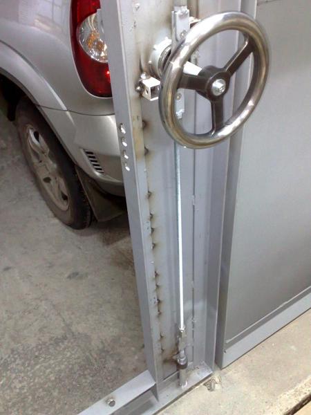 Засов гаражный