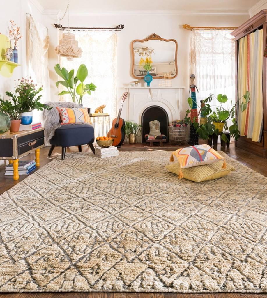 Пушистые ковры (46 фото): мягкие мохнатые модели с длинным ворсом на пол для гостиной