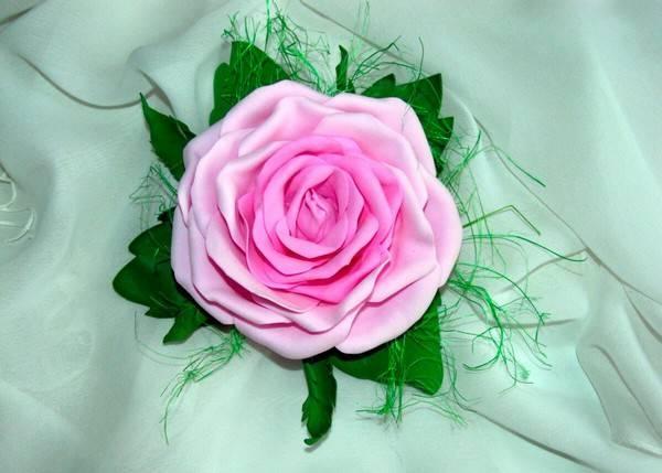 Мастер-класс по созданию нежной розы из фоамирана: подготовительные работы, процесс изготовления