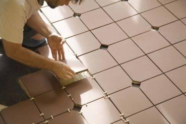 Плитка: сначала на пол или на стены? тонкости ремонта