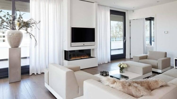 Как правильно установить телевизор над камином, чтобы подчеркнуть элементы интерьера
