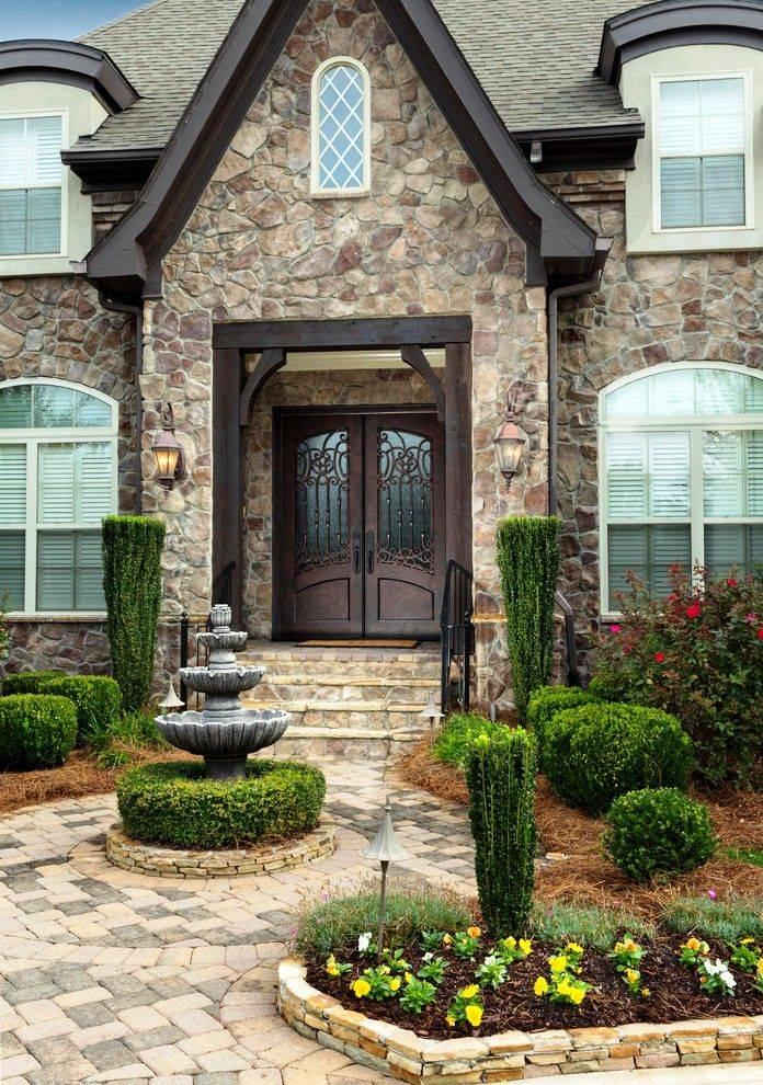 Стиль и надежность входных металлических дверей с ковкой