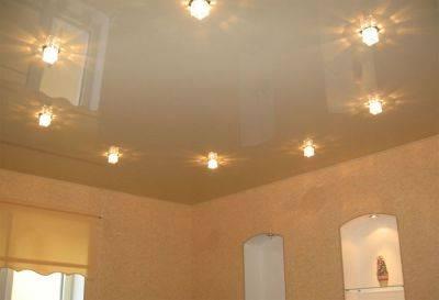 Подвесные потолки и натяжные потолки: что лучше, навесной или натяжной, разница, чем отличаются, отличие, какой лучше