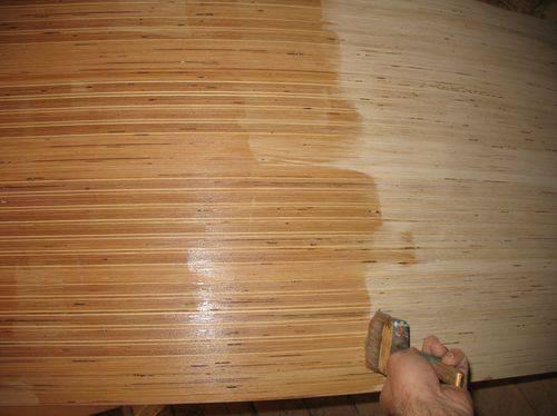 Как шпаклевать стеклохолст на потолке и под покраску, а также что такое паутинка, как правильно клеить этот материал к гипсокартону или осб, и советы мастеров