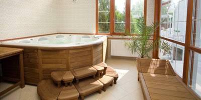 Ванная комната под дерево: элементы дизайна и отделка из дерева (20 фото)