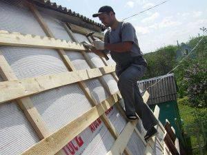 Инструкция по укладке обрешетку под ондулин на крыше, устройство конструкции, требования к шагу и размерам
