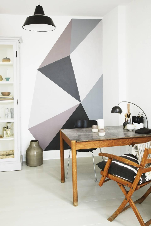 Красим стены в квартире своими руками (70 фото): как правильно снимать старую краску, как оформить стены ванной и спальни оригинально и интересно