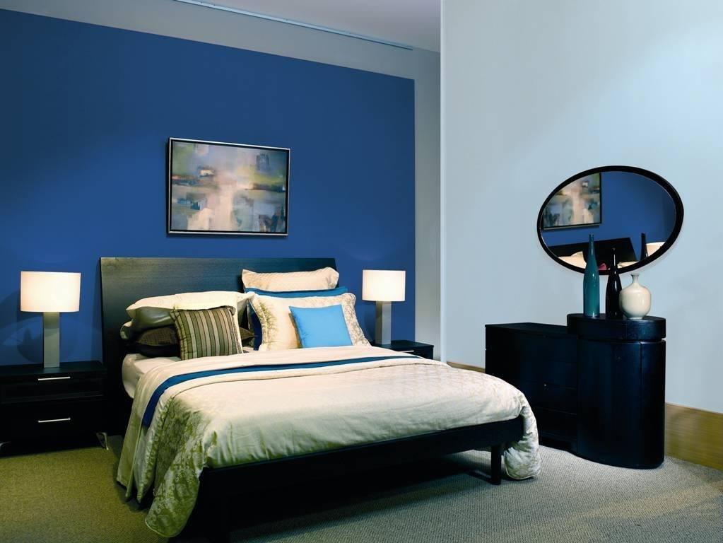 Бело-синяя гостиная: необычные идеи и типовые решения