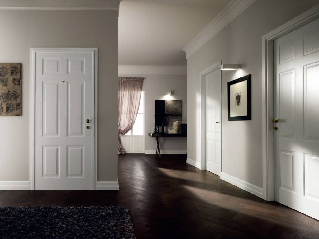 Белые двери в интерьере квартиры: реальные фото дизайна