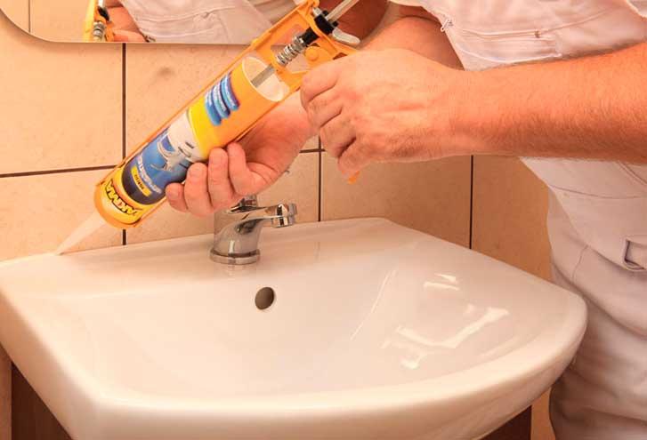 Прозрачный герметик: силиконовый универсальный клей, бесцветный санитарный вариант для стекла, продукция «гермент» 280 мл
