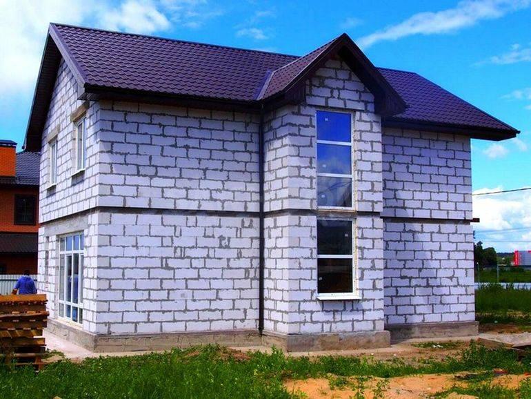 Дом из газобетона: преимущества и недостатки, срок службы газобетонных блоков