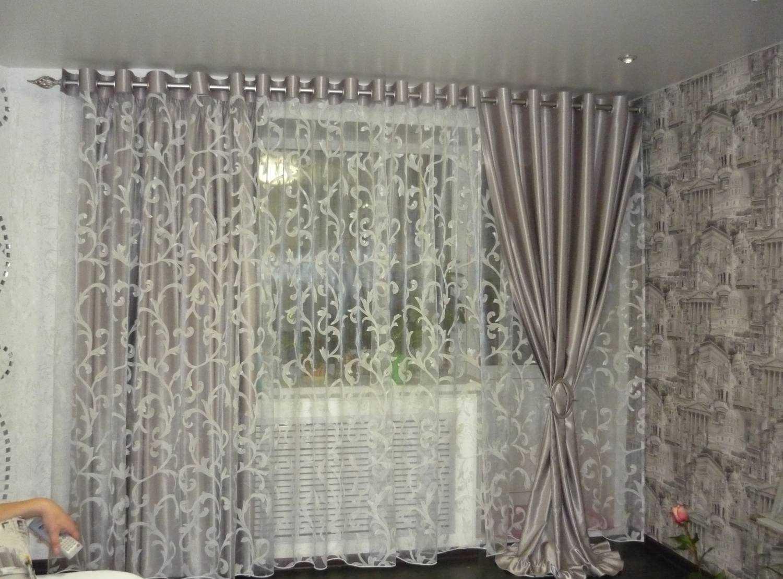 Тюль на окна: как подобрать к шторам, как красиво повесить тюль на кухне, сочетание штор и тюля по цвету для комнаты  - 37 фото