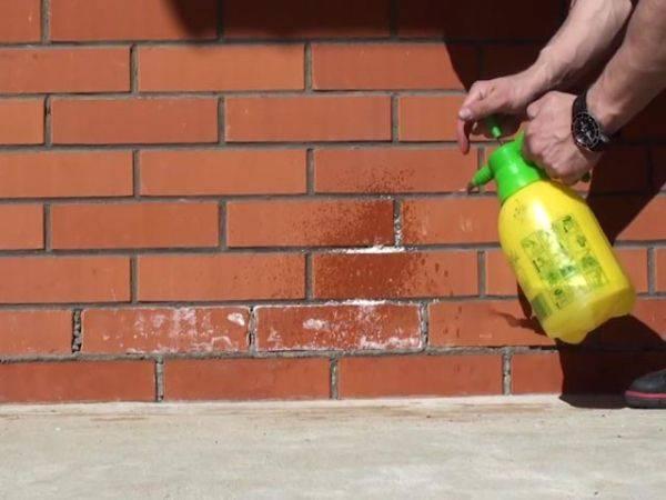 Чем отмыть кирпич от белого налета, советы специалистов