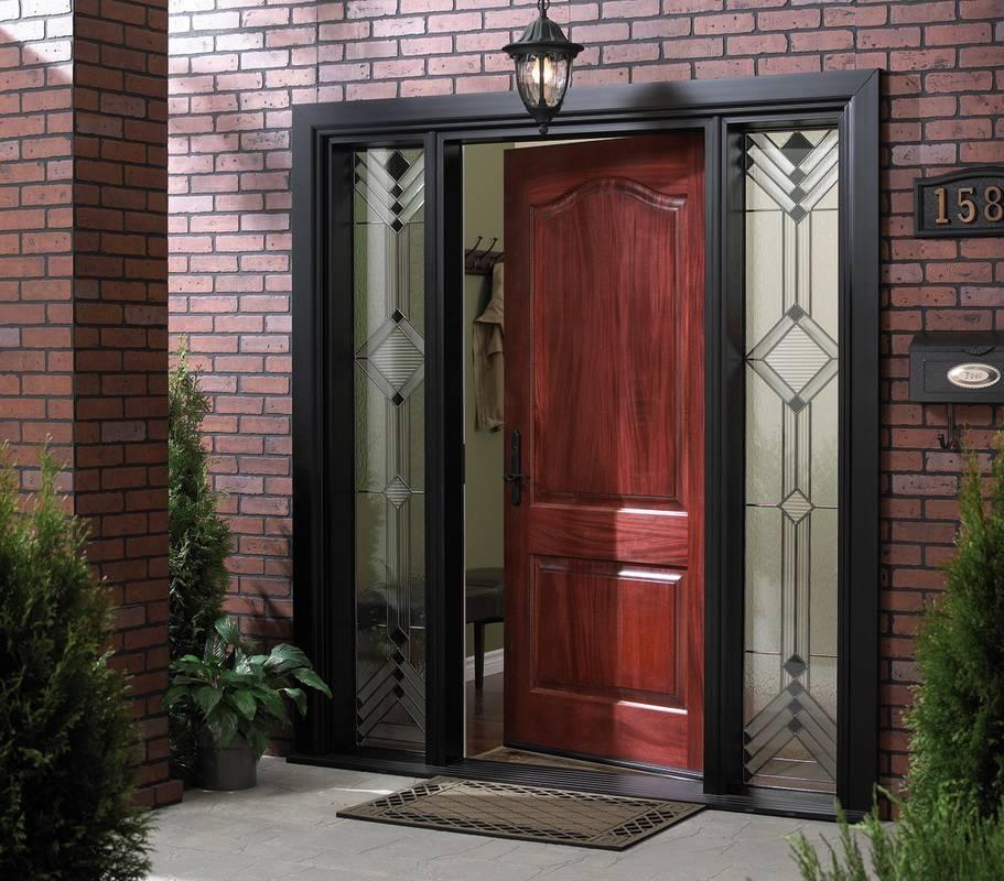 Деревянные входные двери для частного дома, фото примеры.
