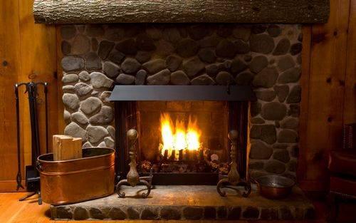 Как сделать имитацию огня в камине своими руками
