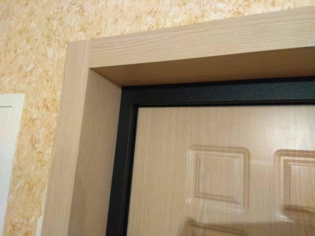 Как обшить дверь – выбираем материал и выполняем работы самостоятельно