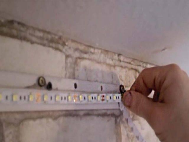 Натяжной потолок с подсветкой (87 фото): многоуровневые конструкции со светодиодной лентой по периметру внутри и изнутри