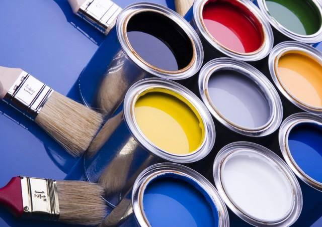 Как покрасить потолок на старую краску? покраска акриловой краской, каким валиком воспользоваться, что делать, если покрытие отслаивается после окраски