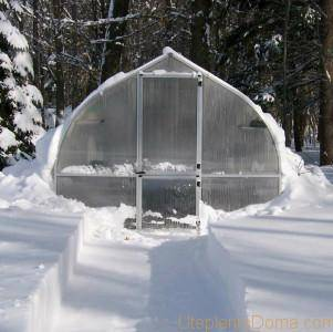 Как утеплить теплицу из поликарбоната на зиму
