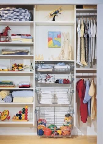 Детские шкафы для одежды (41 фото): белая секционная мебель с ящиками, платяной стеллаж в комнату
