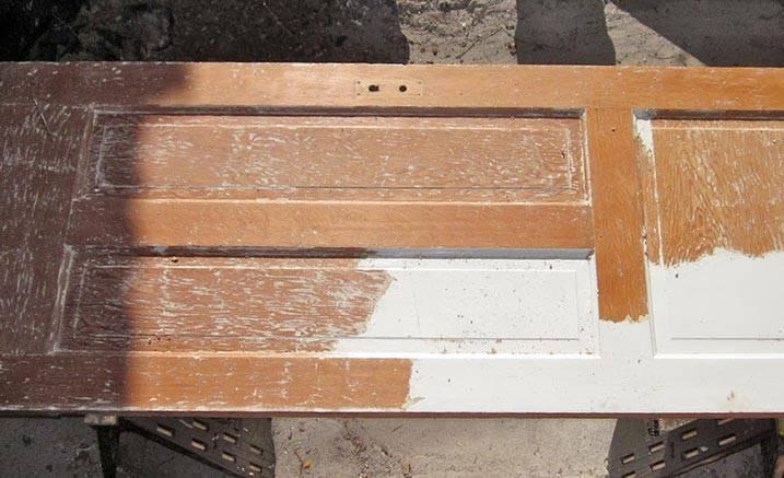 Как снять старую краску с дерева? смывка порошковой смесью, удаление жидкости для снятия бетона с потолка