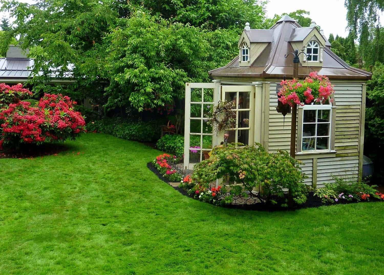 Ландшафтный дизайн двора: фото современных дворов и участков