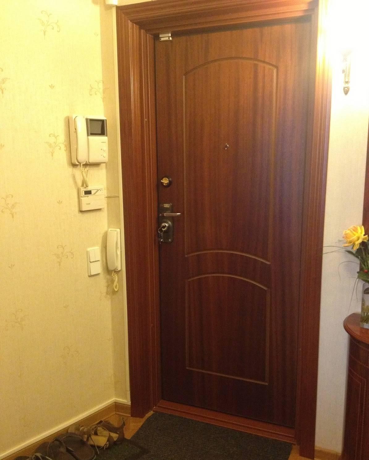 Обивка дверей: деревянных, металлических, дерматином, винилискожей