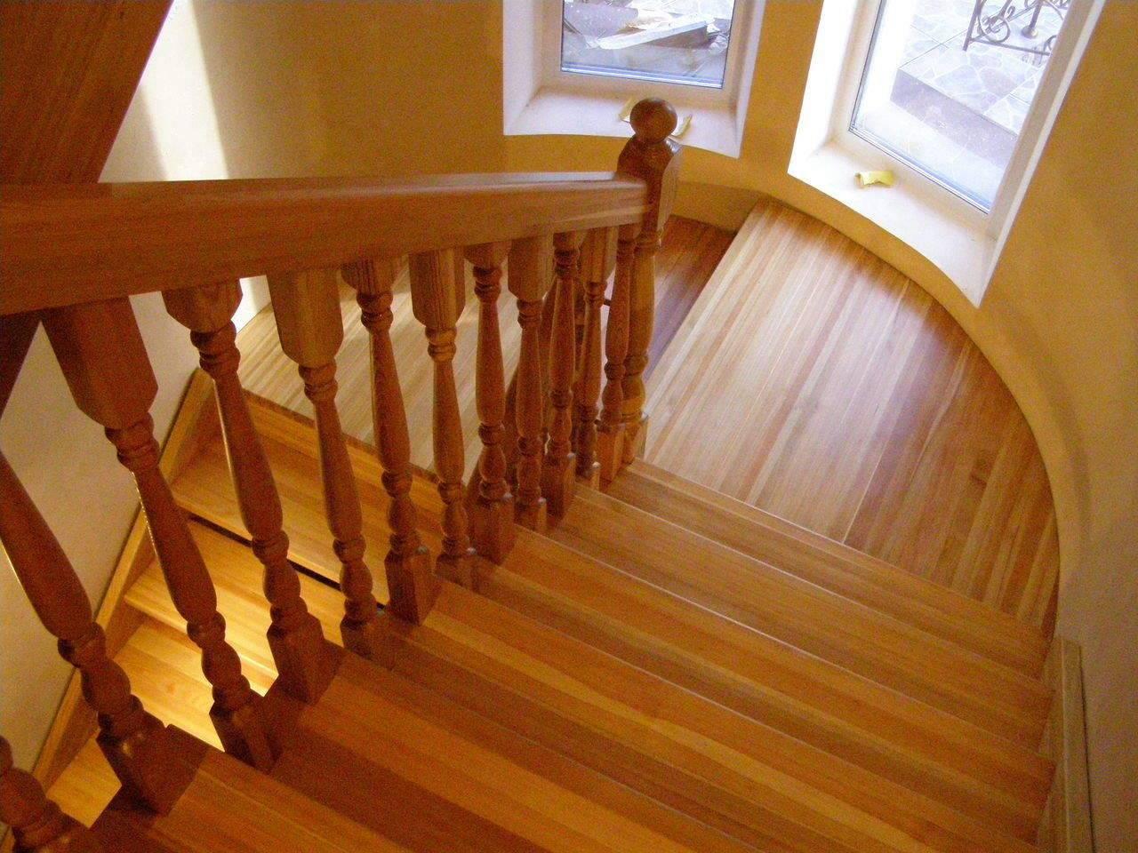 Как выполняется отделка лестницы ламинатом