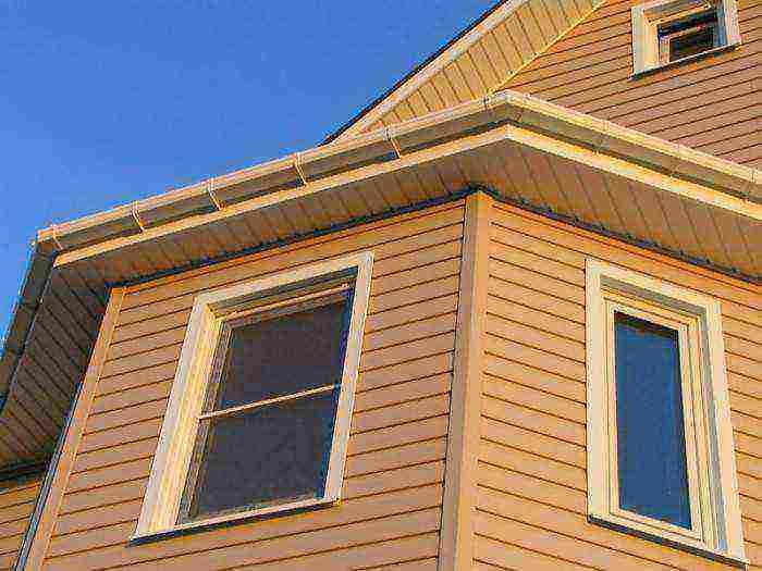 Сайдинг под корабельную доску (29 фото): металлический материал из оцинкованной стали для отделки домов, размеры металлопрофиля под дерево по госту