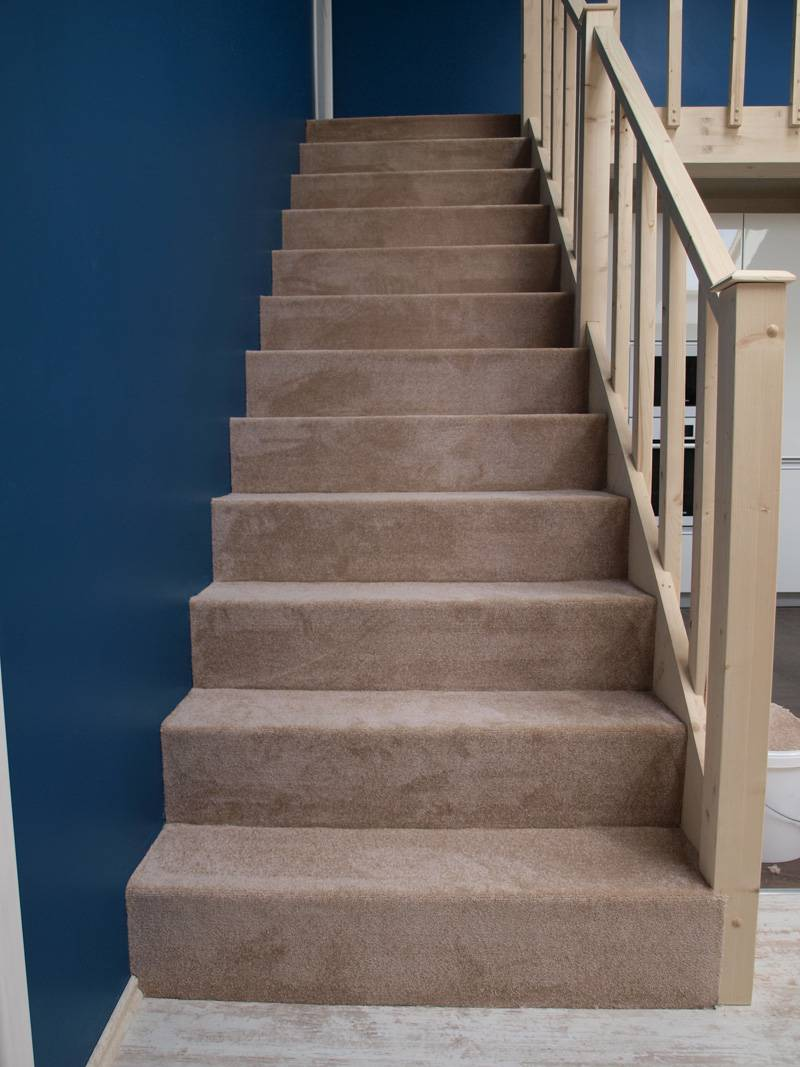 Отделка лестницы ковролином своими руками: деревянной, бетонной и др., видео