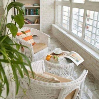 Балкон в стиле: современный и классический дизайн в фото примерах