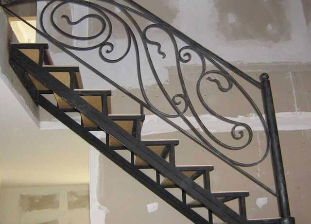 Как сделать лестницу из трубы своими руками: особенности проектирования и монтажа