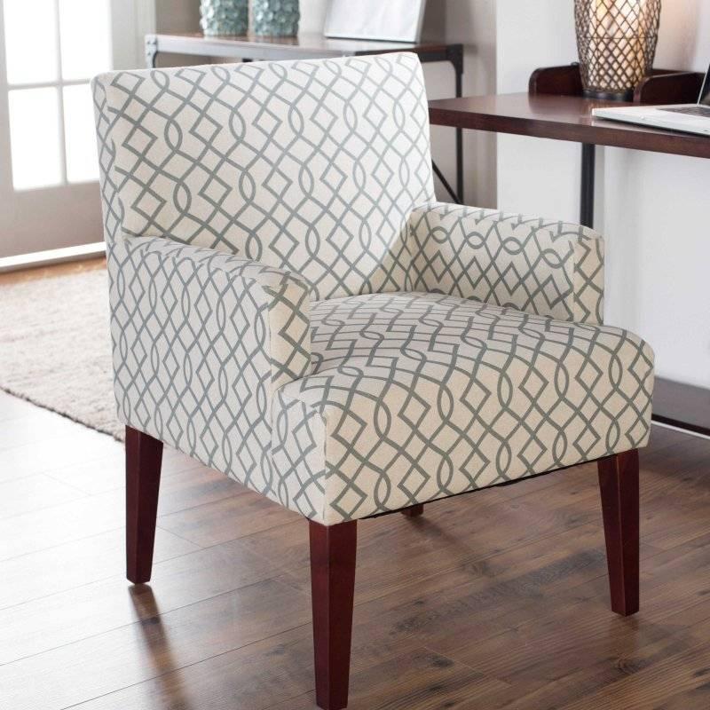 Как выбрать стул в гостиную - особенности и виды моделей / фото