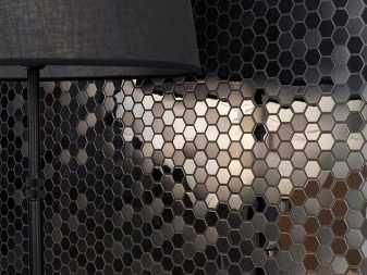 Кухня с темным полом: контраст напольного покрытия со светлым гарнитуром или стенами, кухонный интерьер с черным, коричневым, серым и другими цветами пола