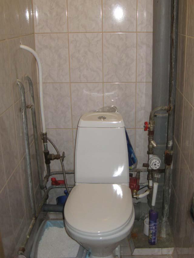 Как закрыть трубы в туалете — обзор вариантов и пошаговая инструкция