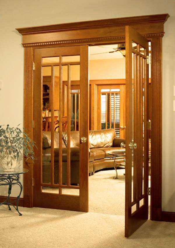 Раздвижные двери в гостиной (35 фото): выбираем межкомнатные двери-купе в зал и большие широкие одностворчатые двери под интерьер