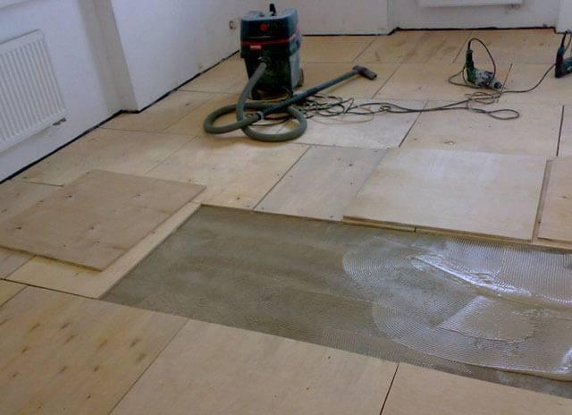 Как стелить линолеум на бетонный пол: рекомендации по укладке