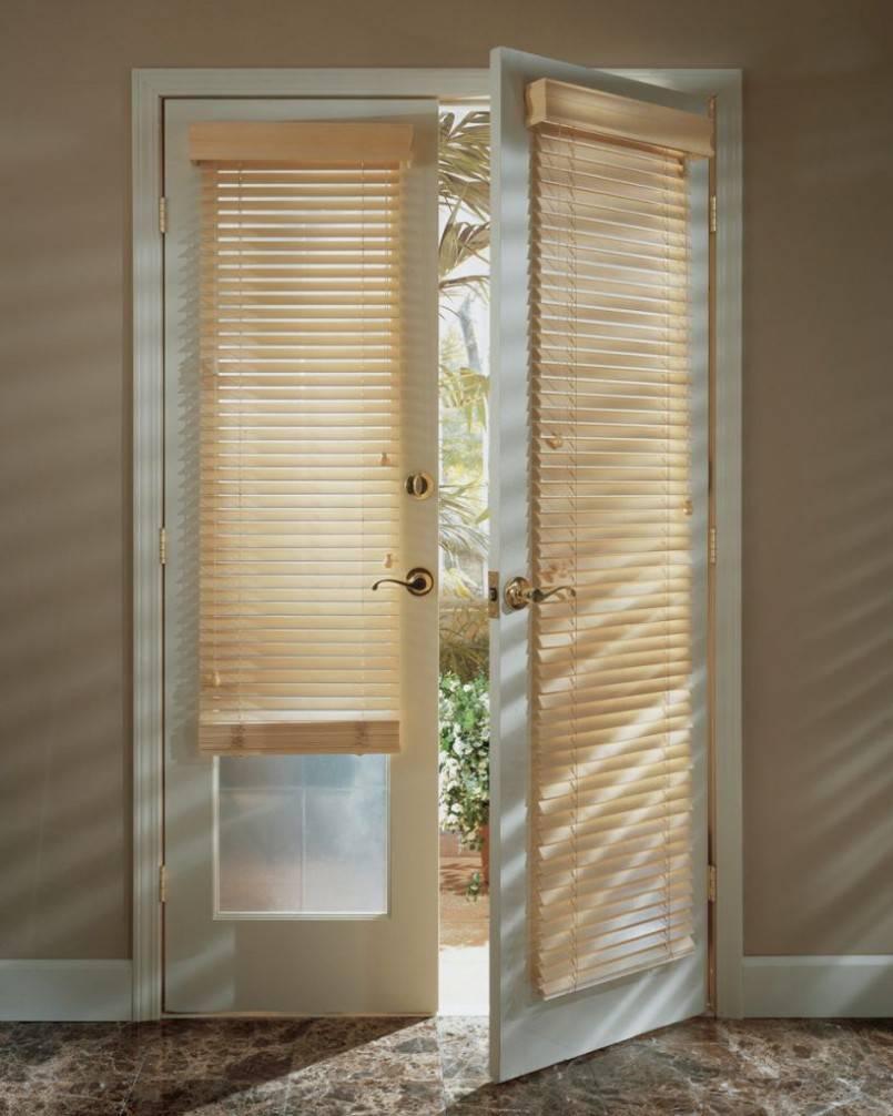 Шторы на двери: 215+ (фото) красивых & современных оформлений