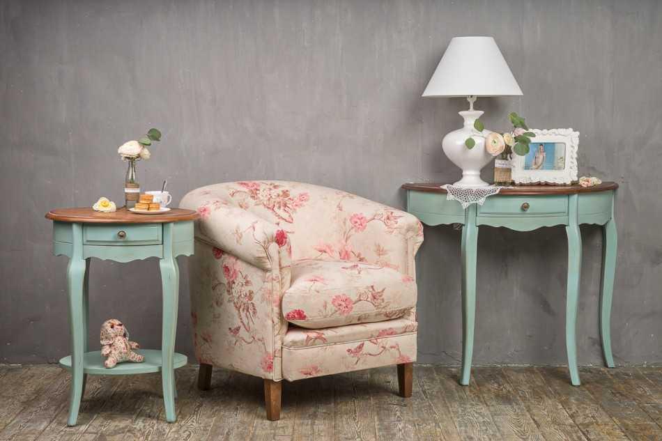 Мебель в стиле прованс: особенности оформления – состаривание, покраска, роспись, диван, кресла и стулья, встроенный шкаф, кованые элементы, интерьеры на фото