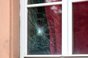 Как помыть окна быстро и без разводов: рабочие советы