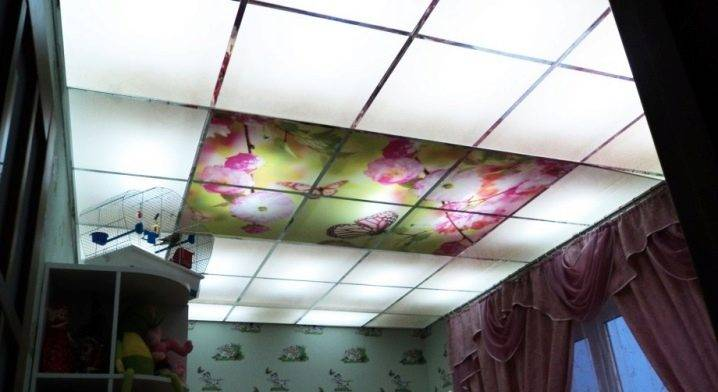 Потолки стеклянные: подвесные потолки из стекла, оргстекла с подсветкой, прозрачный, матовый кассетный потолок