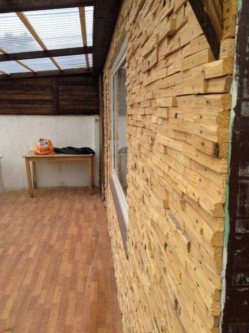 Декоративная штукатурка под дерево (25 фото): имитация коры и среза в оформлении стен внутри дома, фактурная отделка в современном интерьере