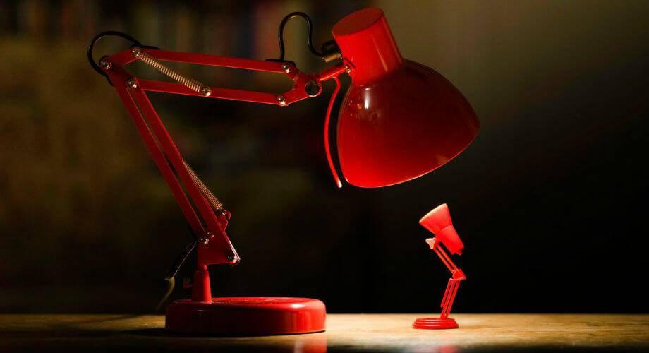 Настольная лампа для школьника: основные моменты правильного выбора
