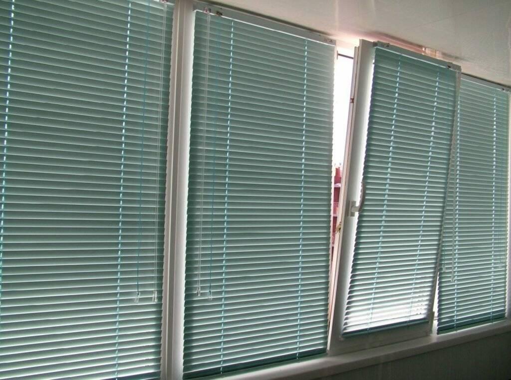 Рулонные шторы на балкон [47 фото]: выбор, крепление + дизайн
