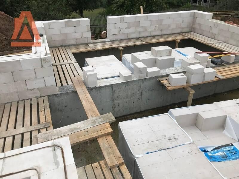 Раствор для кладки пеноблоков: клей или цемент лучше выбрать?