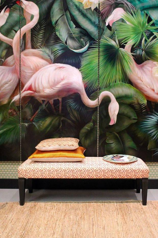 Обои с фламинго в интерьере. дизайнерские трюки